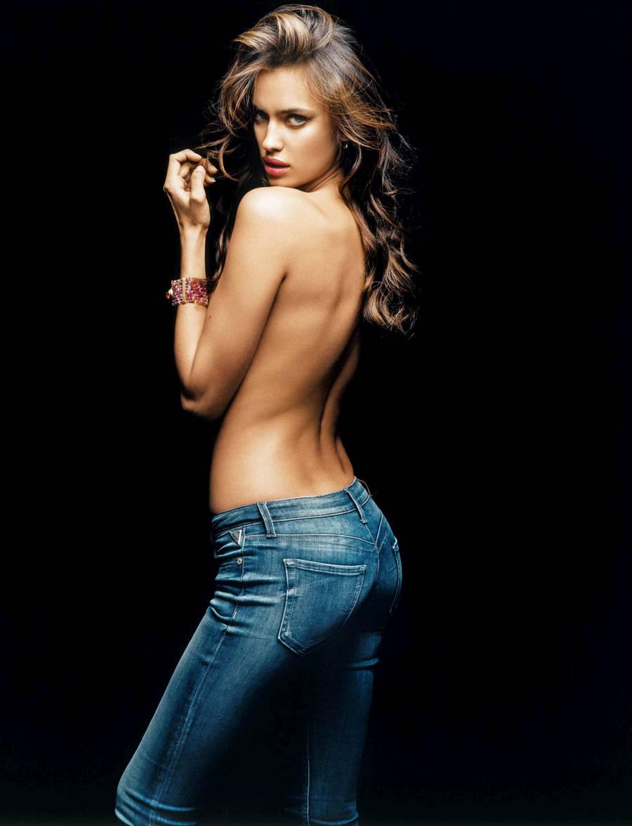 Irina-Shayk-Replay-Jeans-1