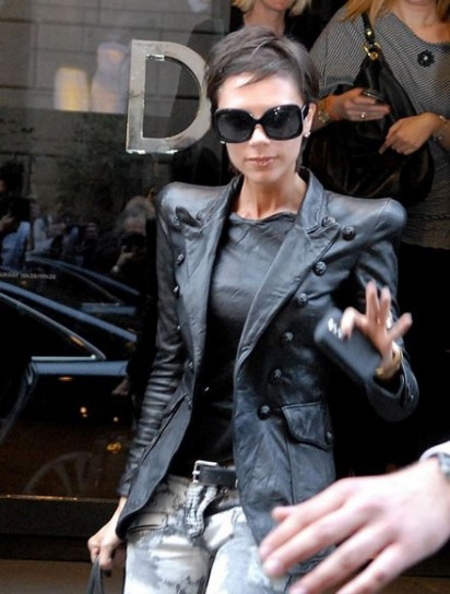 victoria-beckham-giacca-pelle
