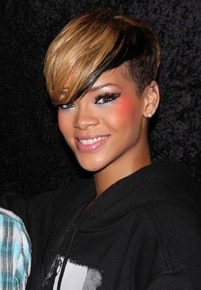 Rihanna-2010-Parigi