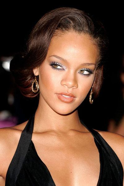 Rihanna-capelli-2006.jpg