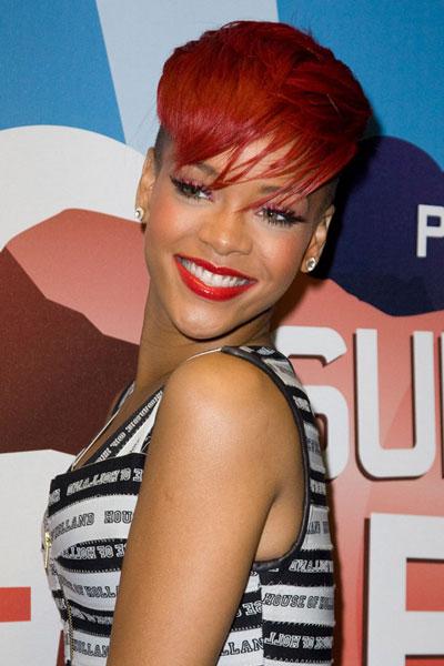 RihannaHair2010
