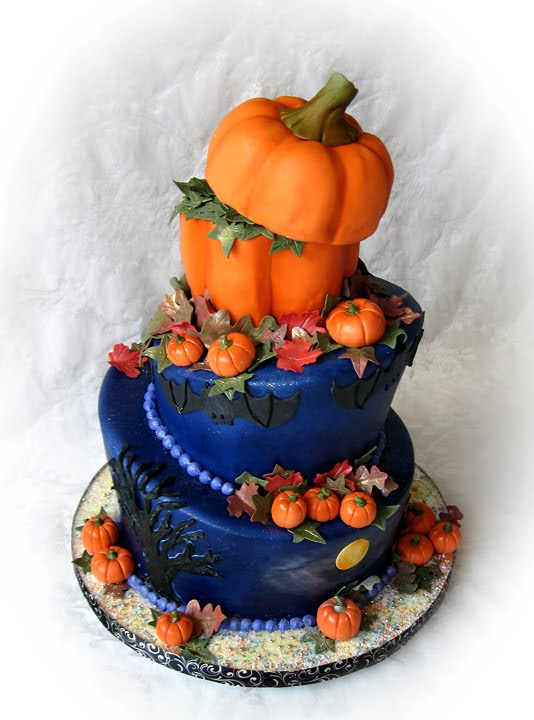 Halloween-Wedding-Cakes