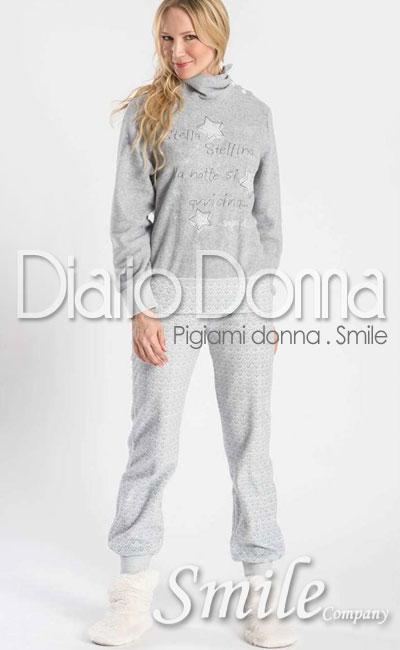 pigiami-donna-in-pile